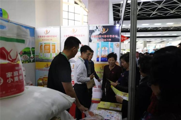 朝鮮春季商品展吸引了大批朝鮮民眾參觀采購