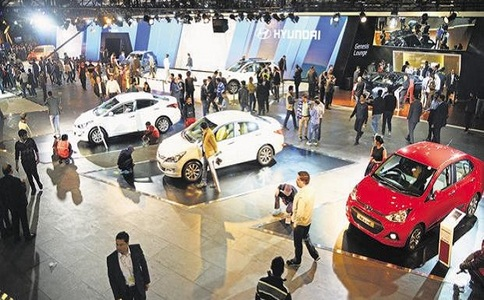 俄罗斯莫斯科新能源车展览会Renwex
