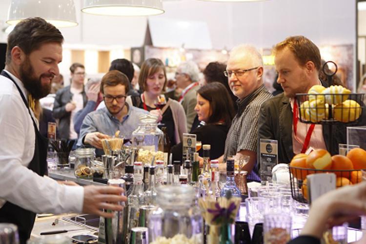 香港葡萄酒及烈酒展览会包括哪些展品?