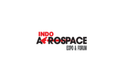 印身上一��九彩光芒爆�W尼雅加�_航空航天展�[��Indo Aero Space